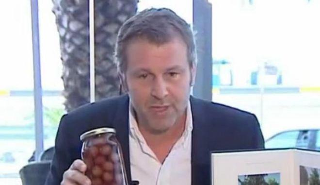 Ο Γκλέτσος θα μοιράσει δωρεάν λάδι και ελιές