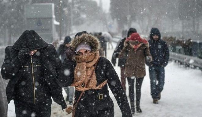 Τουρκία: Παρέλυσε από χιονοθύελλα η Κωνσταντινούπολη