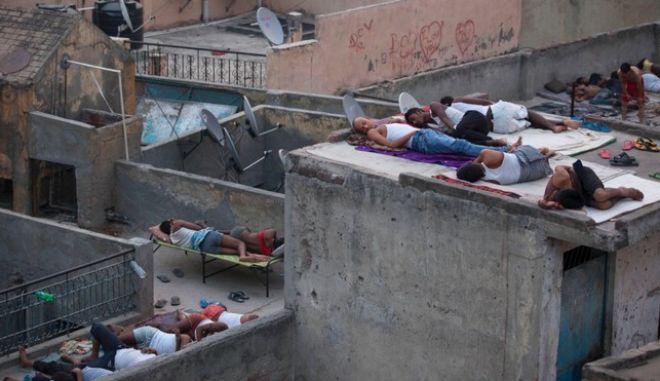 Ινδία: Ξεπέρασαν τους 2.200 οι νεκροί από το κύμα καύσωνα