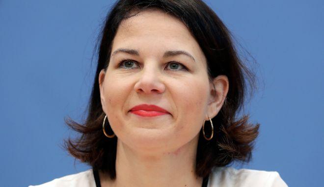 Πράσινοι: Υπέρ του περιορισμού της θητείας των καγκελαρίων η Αναλένα Μπέρμποκ