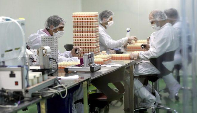 Εργαστήριο με έρευνες για τον κορονοϊό
