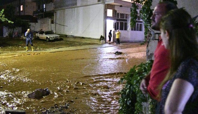 Μεγάλες πλημμύρες στη Μάνδρα Αττικής
