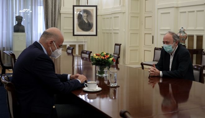 Συνάντηση ΥΠΕΞ Νίκου Δένδια με εκπρόσωπο ΚΚΕ Γιώργο Μαρίνο