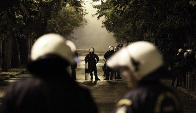 Επεισόδια στην πορεία για την 44η επέτειο του Πολυτεχνείου στην Αθήνα. Παρασκευή 17 Νοέμβρη 2017. (EUROKINISSI / ΓΙΩΡΓΟΣ ΚΟΝΤΑΡΙΝΗΣ)