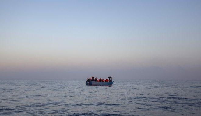 Μετανάστες και πρόσφυγες στη Μεσόγειο
