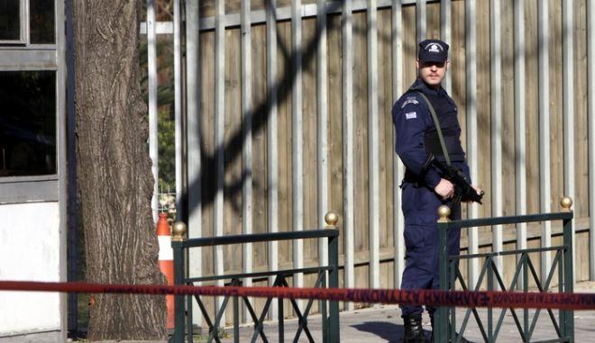 ΑΘΗΝΑ- Πυροβολισμοί έξω από το σπίτι του πρέσβη της Γερμανίας  Βόλφγκανκ Ντολτ,στο Χαλάνδρι.(EUROKINISSI-ΓΕΩΡΓΙΑ ΠΑΝΑΓΟΠΟΥΛΟΥ)