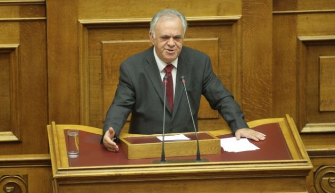 Δεν πρόκειται να υπάρξουν αγοραπωλησίες κόκκινων δανείων, διαβεβαιώνει ο Δραγασάκης