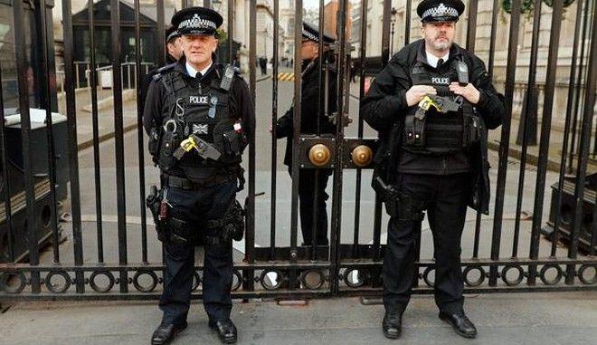 Βρετανία: Συνελήφθησαν έξι ύποπτοι για τρομοκρατία