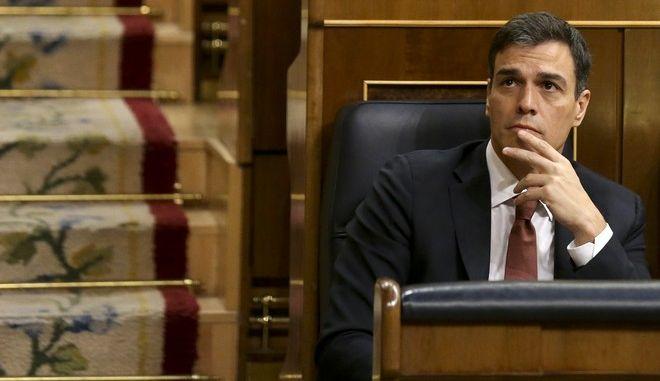 Ο πρωθυπουργός της Ισπανίας Πέδρο Σάντσεθ στο κοινοβούλιο
