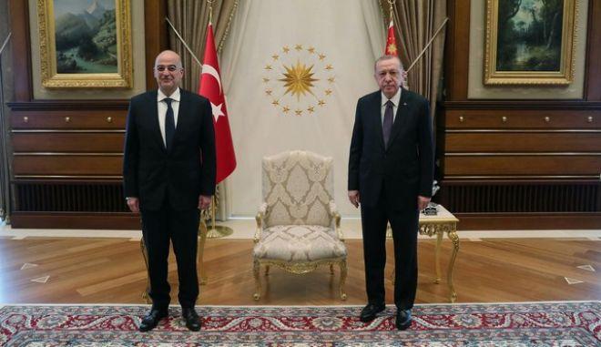 Τα 45 λεπτά του Δένδια με τον Ερντογάν στην Τουρκία - Σε εξέλιξη η συνάντηση με Τσαβούσογλου