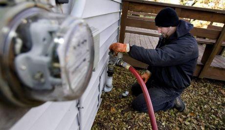 Αναλυτικός οδηγός: Ποιοι δικαιούνται την επιδότηση για τη μετατροπή καυστήρων πετρελαίου σε φυσικού αερίου
