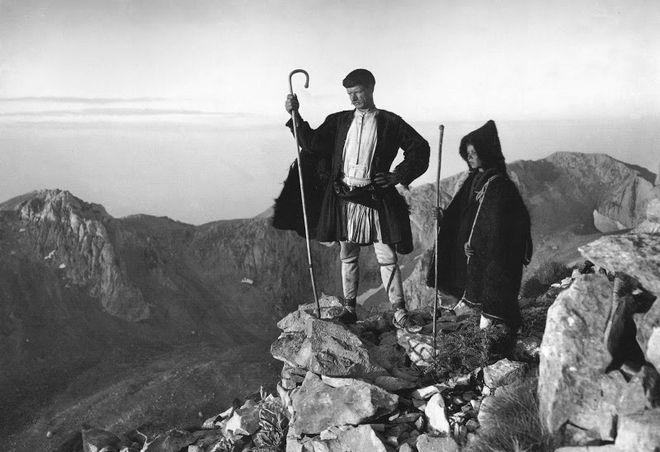 Αριστουργηματικές φωτογραφίες από την Ελλάδα του 1900-1946: Όταν η Ακρόπολη είχε ακόμα πρόβατα