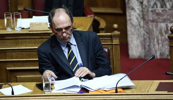 Discussion regarding the priorities actions, at the plenary hall of the Greek parliament, on Dec. 15, 2015 /           , , 15  2015.