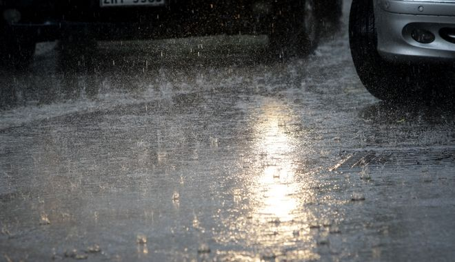 Συνεχίζεται ο άστατος καιρός με ισχυρές βροχές και καταιγίδες