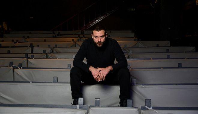 """Ο ηθοποιός Τάσος Ιορδανίδης πρωταγωνιστεί στον """"Πατέρα"""""""