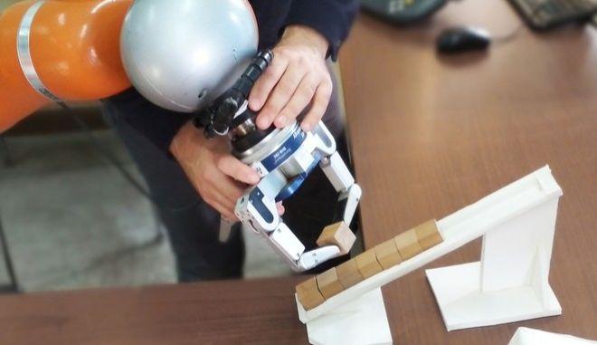 ΑΠΘ: Έφτιαξαν ρομπότ που θα χρησιμοποιηθεί στη βιομηχανία τροφίμων
