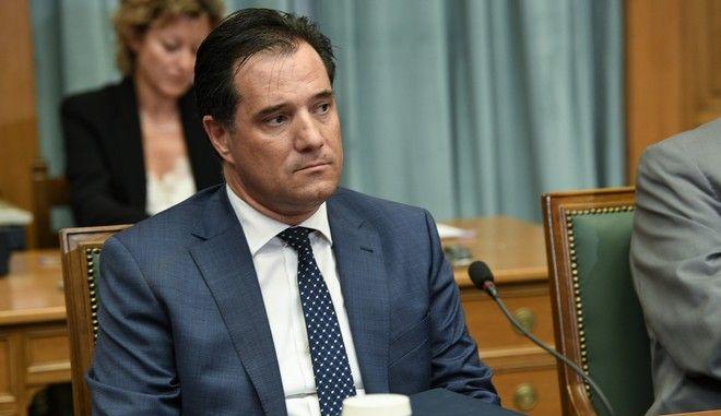 Ο υπουργός Ανάπτυξης και Επενδύσεων