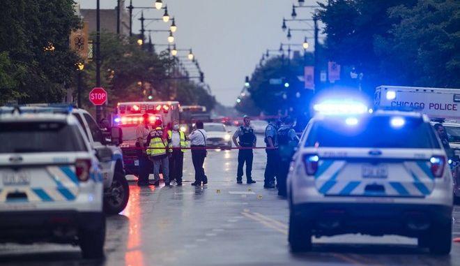 Πυροβολισμοί εν μέσω κηδείας στο Σικάγο