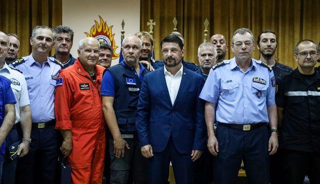 Βράβευση των ξένων πληρωμάτων που συμμετείχαν στην κατάσβεση της πυρκαγιάς στην Εύβοια από τον Γενικό Γραμματέα Πολιτικής Προστασίας Νίκο Χαρδαλιά