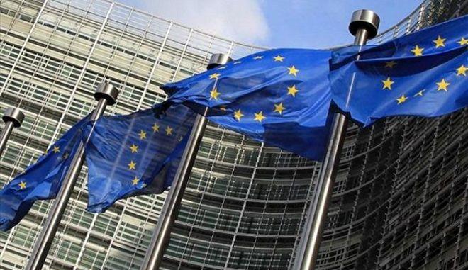 Μία κρύο, μία ζέστη: Αξιωματούχος της Ευρωζώνης ζητά πρώτα νομοθέτηση των έκτακτων μέτρων