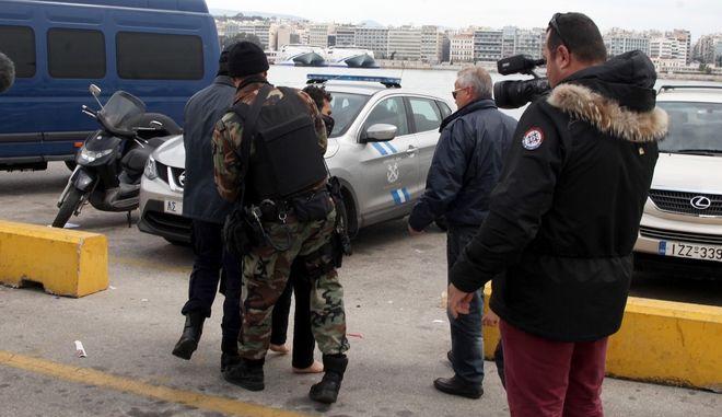 Ένταση μεταξύ προσφύγων στο λιμάνι του Πειραιά την Παρασκευή 18 Μαρτίου 2016. (EUROKINISSI/ΑΛΕΞΑΝΔΡΟΣ ΖΩΝΤΑΝΟΣ)