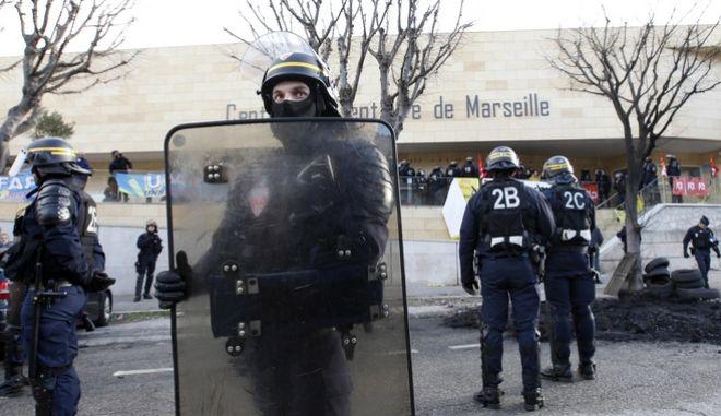 Ένοπλος άνοιξε πυρ σε δρόμο της Μασσαλίας - Συνελήφθη μετά από αστυνομική επιχείρηση