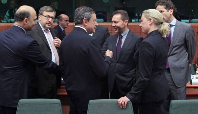 Σε τρεις δόσεις θα εκταμιευτούν τα 43,7 δισ. ευρώ. Πότε ξεκινά η εκταμίευση . Τι προβλέπει η συμφωνία
