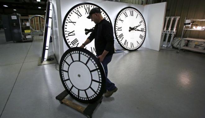 Την κατάργηση της αλλαγής της ώρας είχε προτείνει η Κομισιόν
