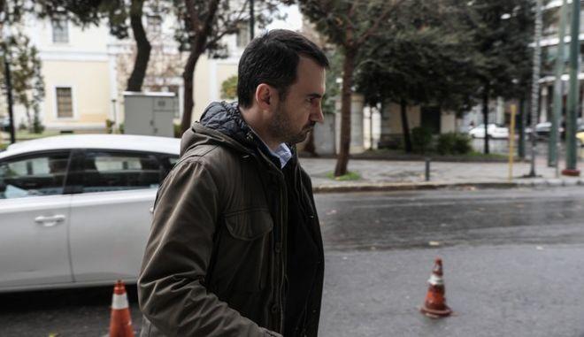 """Χαρίτσης: """"Το επιτελικό κράτος του κ. Μητσοτάκη να ασχοληθεί με την στήριξη του ΕΣΥ"""""""