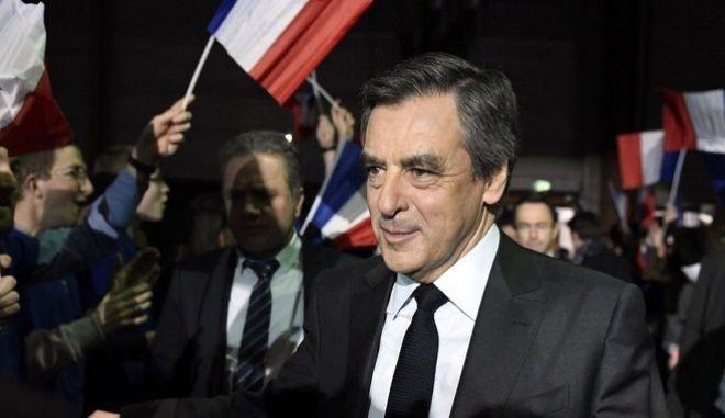 7 στους 10 Γάλλους επιθυμούν παραίτηση Φιγιόν