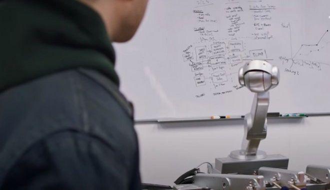 Το ρομπότ Σιμόν