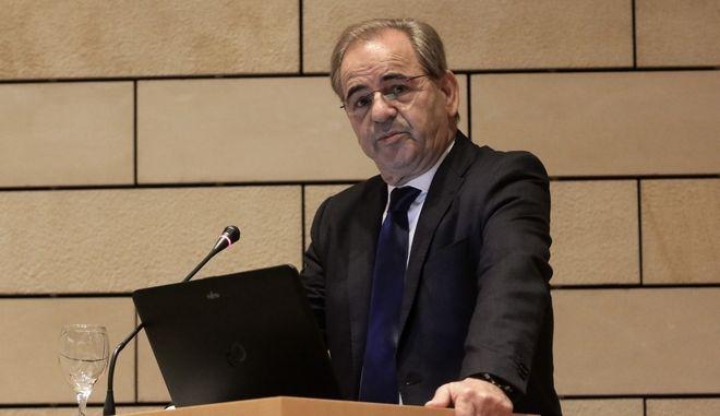 """Ο Χαράλαμπος Γκότσης, Πρόεδρος της Κεφαλαιοαγοράς στην ομιλία του στην Ημερίαδα της Επιτροπής Κεφαλαιοαγοράς με τίτλο """" MiFID II- MiFIR Αναγκαίες προσαρμογές στο νέο περιβάλλον"""". Δευτέρα 23 Οκτωβρίου 2017 (EUROKINISSI//Γιάννης Παναγόπουλος)"""