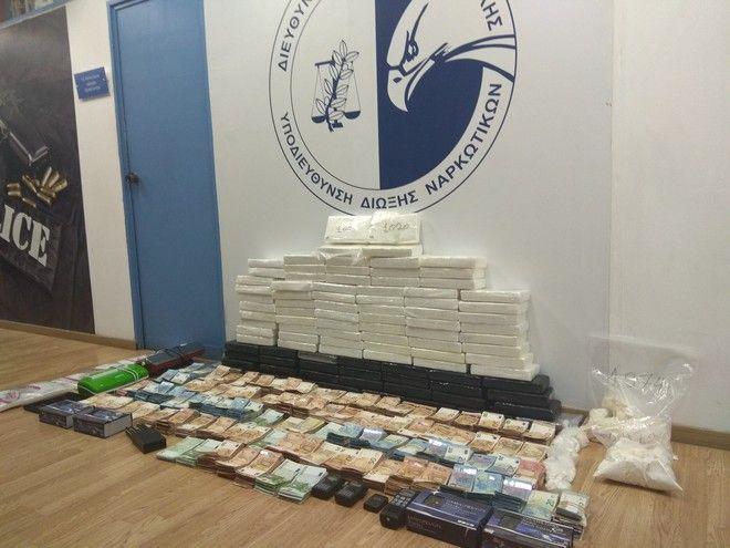 Άγιος Δημήτριος: Εντοπίστηκαν πάνω από 100 κιλά κοκαΐνης κρυμμένα σε ταψιά και άμμο γάτας