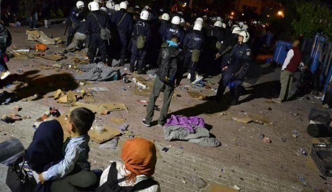 Μυτιλήνη: Φασιστική επίθεση εναντίον μεταναστών - Φώναζαν 'κάψτε τους ζωντανούς'