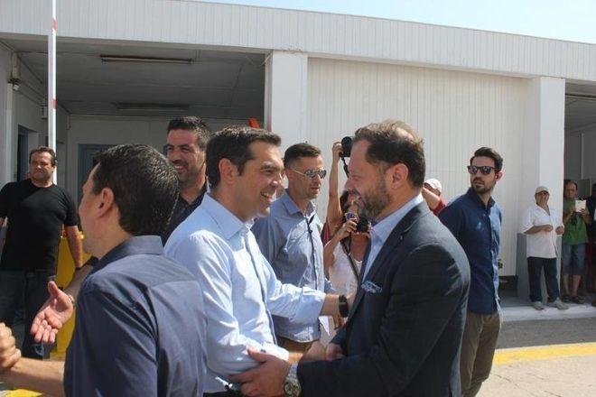 Ο Πάνος Ξενοκώστας με τον πρωθυπουργό Αλέξη Τσίπρα στα εγκαίνια του ναυπηγείου στο Νεώριο Σύρου