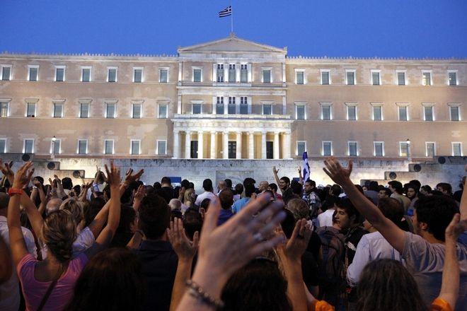 Συγκέντρωση Αγανακτισμένων στην πλατεία Συντάγματος. Ιούνιος 2011.