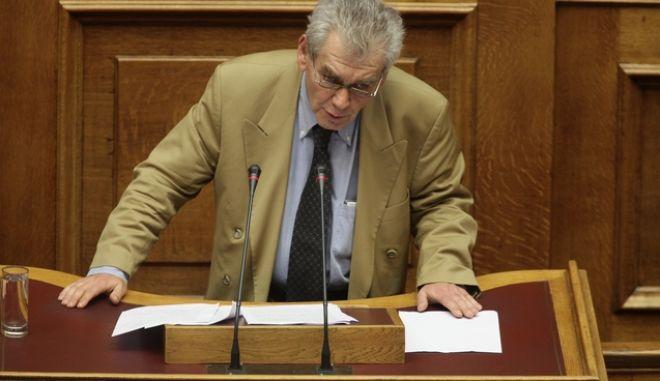 """Συζήτηση στην Ολομέλει ατης Βουλής, των άρθρων και του συνόλου του σχεδίου νόμου του Υπουργείου Οικονομικών """"Επείγουσες διατάξεις για την εφαρμογή της Συμφωνίας Δημοσιονομικών Στόχων και Διαρθρωτικών Μεταρρυθμίσεων και άλλες διατάξεις"""", το Σάββατο 21 Μαΐου 2016. (EUROKINISSI/ΓΙΑΝΝΗΣ ΠΑΝΑΓΟΠΟΥΛΟΣ)"""