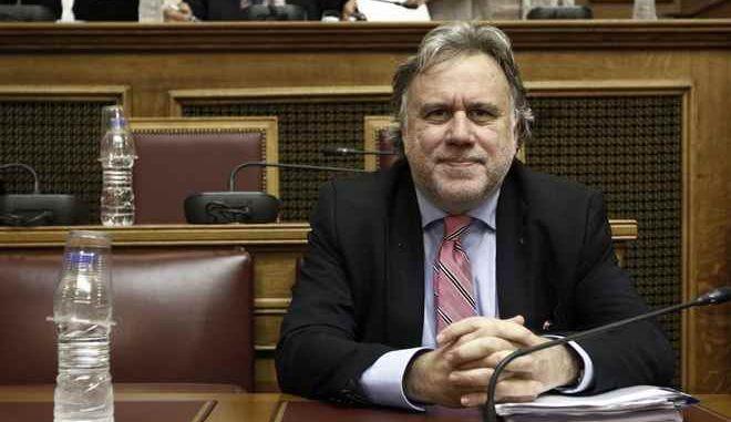 Κοινή συνεδρίαση των Επιτροπών Ευρωπαϊκών Υποθέσεων και Εθνικής Άμυνας και Εξωτερικών Υποθέσεων της Βουλής με θέμα την παρακολούθηση των θεσμικών εξελίξεων σχετικά με τη διαδικασία εξόδου του Ηνωμένου Βασιλείου από την Ευρωπαϊκή Ένωση. Τα μέλη των Επιτροπών ενημέρωσε ο Αναπληρωτής Υπουργός Εξωτερικών, αρμόδιος για τις ευρωπαϊκές υποθέσεις, Γεώργιος Κατρούγκαλος. Στη συζήτηση, συμμετείχε και ο Πάνος Καρβούνης, επικεφαλής της Αντιπροσωπείας της Ευρωπαϊκής Επιτροπής στην Ελλάδα, καθώς και βουλευτές - μέλη της κοινοβουλευτικής ομάδας φιλίας Ελλάδας - Ηνωμένου Βασιλείου. (EUROKINISSI/ΓΙΩΡΓΟΣ ΚΟΝΤΑΡΙΝΗΣ)