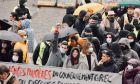 """""""Πονάω, ως εδώ!"""": Πορεία αλληλεγγύης στη Γαλλία για την αστυνομική βία στην Ελλάδα"""