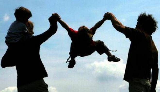 Φορολογική τιμωρία σε όσους έχουν οικογένεια και δύο παιδιά