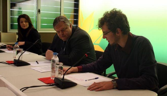 Συνάντηση του προέδρου του ΠΑΣΟΚ, Ευ. Βενιζέλου με τριακονταμελή ομάδα νέων επιστημόνων που μετέχουν στο ερευνητικό πρόγραμμα «Babel Initiative: Grece 2013» της Ανώτατης Σχολής Πολιτικών Επιστημών των Παρισίων, την Πέμπτη 7 Μαρτίου 2013.  (EUROKINISSI/ΤΑΤΙΑΝΑ ΜΠΟΛΑΡΗ)