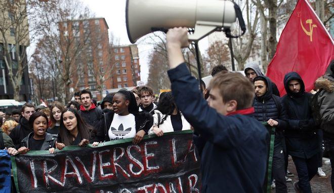 Στιγμιότυπο από τις διαδηλώσεις των μαθητών στη Γαλλία