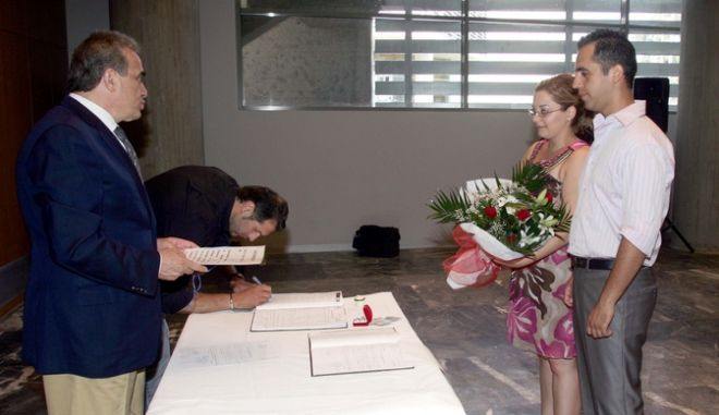 Από πολιτικό γάμο στη Θεσσαλονίκη