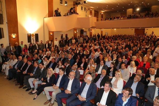 Εικόνα από την προεκλογική συγκέντρωση της Φώφης Γεννηματά στη Λάρισα