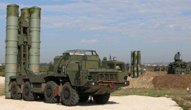 Η Τουρκία αγοράζει από τη Ρωσία S-400
