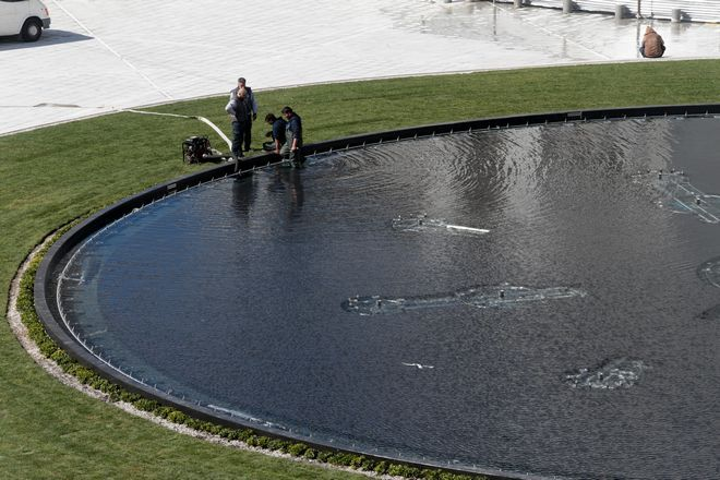 Ομόνοια: Έτοιμη η πλατεία και με νερό το σιντριβάνι της
