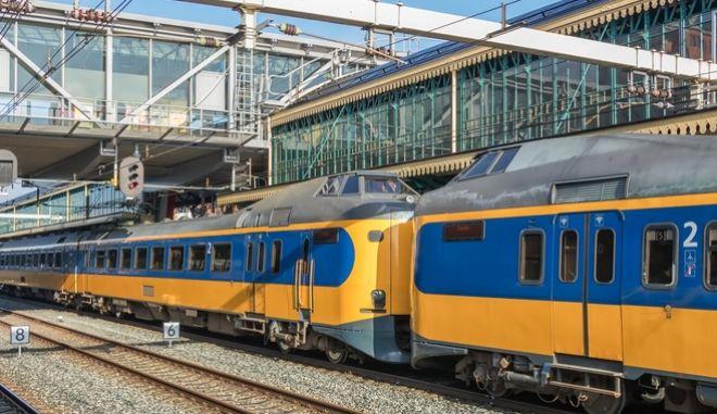 Τρένο στην Ολλανδία (φώτο αρχείου)