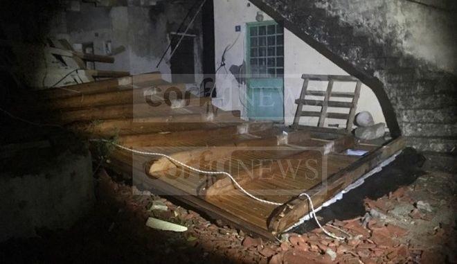 Με βομβαρδισμένο τοπίο μοιάζει η  Κέρκυρα μετά τη σφοδρή κακοκαιρία
