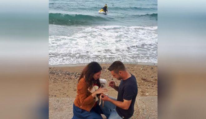Απίθανο: Πρόταση γάμου από... τζετ σκι στην Κρήτη