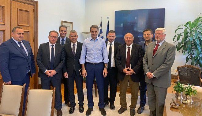 Ο πρόεδρος της ΝΔ συναντήθηκε με εκπροσώπους της ελληνικής μειονότητας της Αλβανίας.